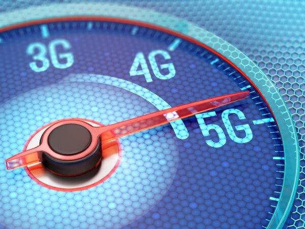 Las redes de 5G brindan mayores velocidades y menor latencia o retardo de señal que las actuales tecnologías.