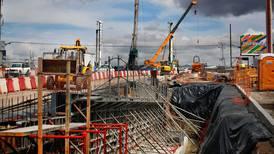 Construcción acumula más de dos años con variaciones negativas en su producción