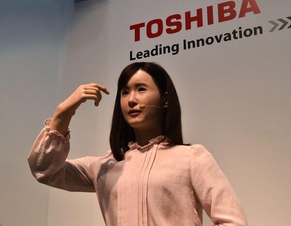 Aiko Chihira es una robot humanoide que puede cuidar adultos mayores y tiene capacidad para realizar gestos.