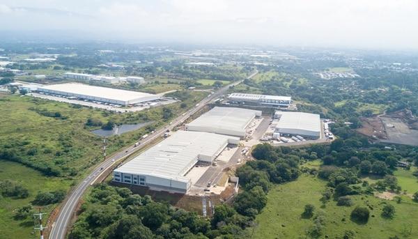 El parque logístico LatAm Logistic Properties, ya tiene los edificios 100, 200 y 300 construidos, los cuales suman aproximadamente 54.000 m². Están construyendo el edificio 400, de 16.000 m², para tenerlo listo en 2018.