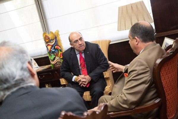 El CEO de Coca Cola Company, Muhtar Kent, se reunió con el presidente de la República, Luis Guillermo Solís, la mañana de este miércoles.