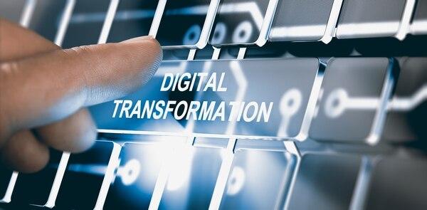 Para implementar la transformación digital se recomienda incorporar una estrategia de gestión del cambio que incluya el desarrollo de competencias en el talento de la empresa.