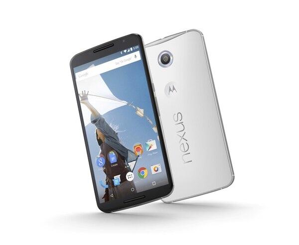 Google presentó la versión más reciente de su smartphone Nexus, con una pantalla de casi 6 pulgadas, superando la de 5,5 pulgadas del iPhone 6 Plus de Apple.