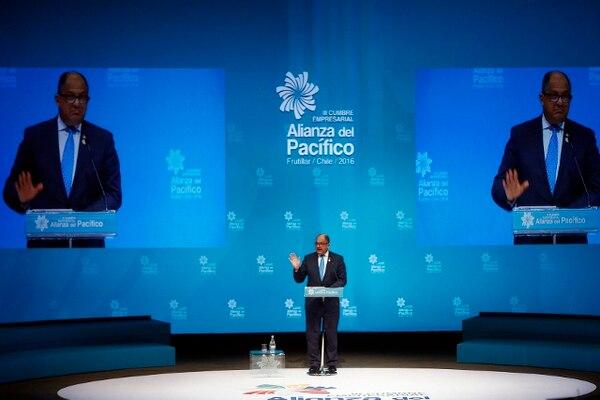El presidente de Costa Rica, Luis Guillermo Solís, habla en la III Cumbre Empresarial de la Alianza del Pacífico y sus Estados Observadores en Chile. Más de 700 empresarios de los cuatro países de la Alianza del Pacífico y de los 49 estados observadores asistieron a la Cumbre Empresarial.