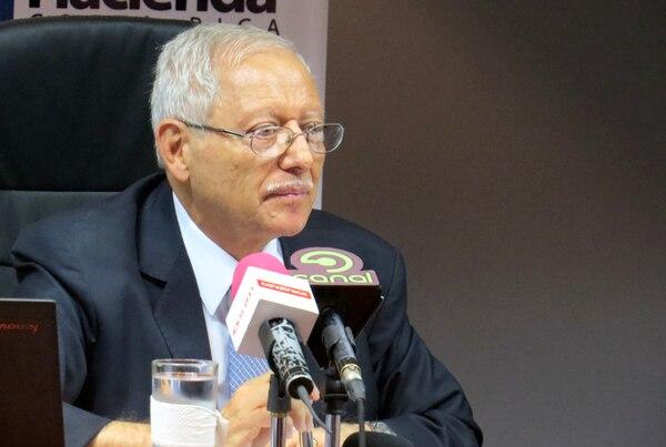 El ministro de Hacienda, Helio Fallas, anunció este martes la apertura del proceso para obtener sugerencias y observaciones sobre los borradores de los proyectos para reformar los impuestos sobre las ventas y la renta.
