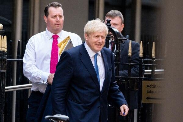 El nuevo primer ministro toma el relevo con una precaria mayoría conservadora en la Cámara de los Comunes del parlamento. Foto: AFP