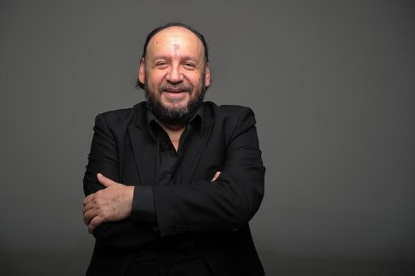 11/4/2017. Tibas, Estudio Grupo Nacion. Retrato de Jacques Sagot, pianista y escritor. foto jeffrey zamora