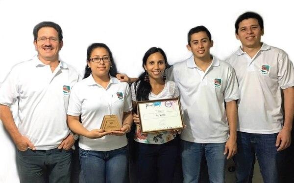 Lidier Venegas, Betzi Medina, Audrey Vasquez, Fabricio Rodríguez y Dagoberto Medina son el grupo que da vida a RFH Software y Tecnologías, creadores de la aplicación Yo Viajo.