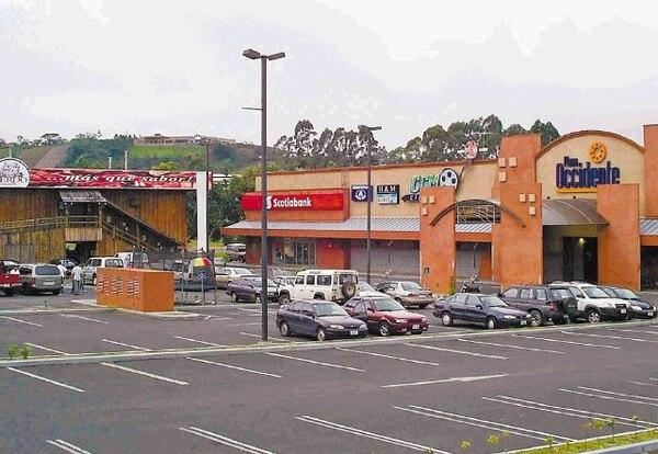 En San Ramón, Plaza Occidente opera hace ocho años. Es el complejo comercial más grande en San Ramón.
