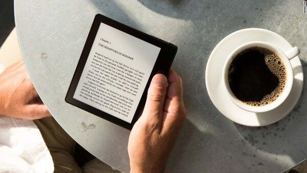El alcance de la piratería en todo Amazon va más allá de los libros. El comercio electrónico ha llevado los productos de imitación que antes se encontraban en los mercados de pulgas al canal de ventas comercial, en donde esa compañía es por mucho el gigante de este sector.
