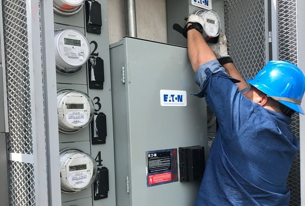 Entre las compras de la CNFL se destacan una de fibra óptica y otra de un sistema de medición de energía y potencia eléctrica, ambas parte del proyecto para disponer de una red y de medidores inteligentes. (Foto cortesía CNFL / Archivo GN)
