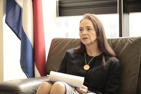 7/11/2017, María Lucía Fernández Garita fue nombrada como la nueva jerarca de Sugeval, Conassif para EF,.