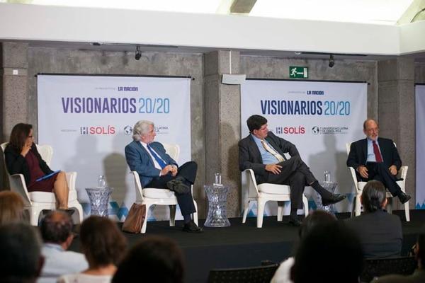Visionarios 20/20 es una serie de foros de diálogo y discusión desarrollados por La Nación acerca de temas centrales de discusión nacional.