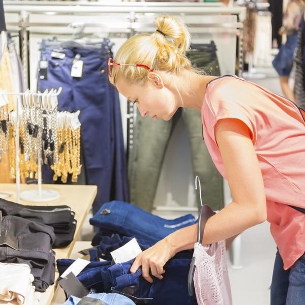 Para los consumidores que son más sensibles al precio de un producto, puede establecer descuentos y crear cupones.