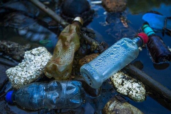 24-06-2015 Un plástico demora 400 años en degradarse. Ronald Pérez Brenes