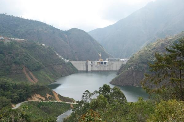 Otras fuentes. Los empresarios consideran que la construcción de plantas hidroeléctricas es uno de los disparadores de las tarifas. Por esto solicitan al Minae emitir políticas que privilegien fuentes de energía más baratas.