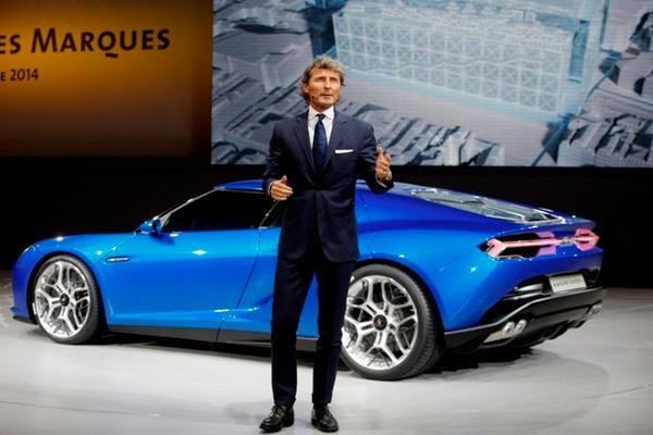 Stephan Winkelmann presenta el Lamborghini Asterion en la gala del Grupo Volkswagen como parte del Salón del Automóvil de París, uno de los principales eventos del año para los fabricantes europeos de vehículos.