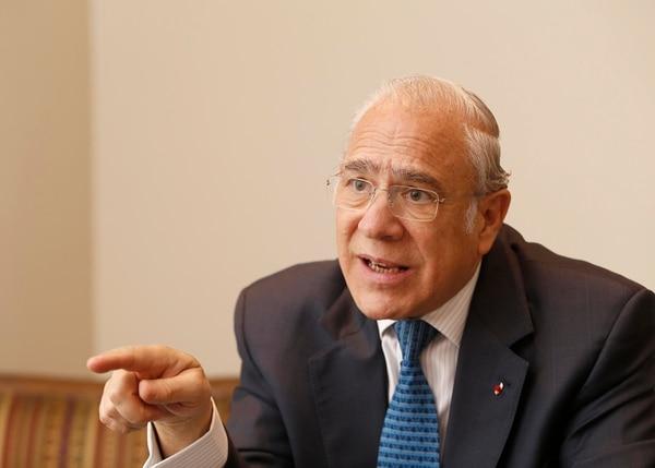 La OCDE estima que el promedio de la deuda de sus países miembros, será del 100% y para Costa Rica estima niveles que rondan entre e 58% y el 60%, según comentó José Ángel Gurría, secretario general de la OCDE. Foto: Albert Marín.