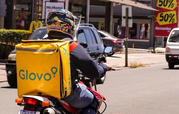 Glovo empezó operaciones en Costa Rica en abril del 2018 para competir con Uber Eats. Fotografía: Alonso Tenorio.
