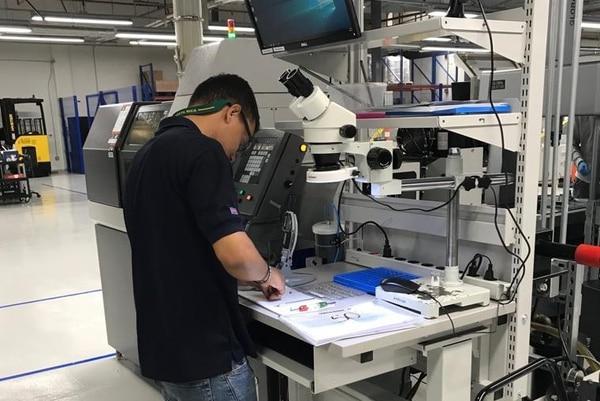 Medtronic se dedica al diseño, fabricación, venta de instrumentos y equipos médicos que alivien el dolor, restauren la salud y extiendan la vida. Cortesía de Medtronic para EF.