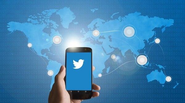 Nuevas políticas de Twitter se aplicarán a partir del 22 de noviembre, y se prohibirían los anuncios sobre cuestiones políticas y por parte de candidatos. Foto: Shutterstock.