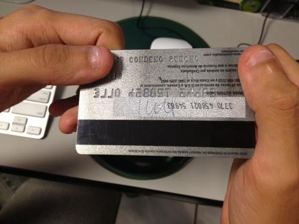El sistema de banda magnética resultó vulnerable ante el desarrollo de tecnología para clonar tarjetas.