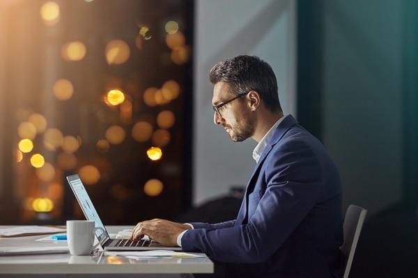Organizar el trabajo diario no solo ayuda a mejorar la imagen que transmitimos al mundo de nosotros mismos, sino que también seremos más productivos en el trabajo