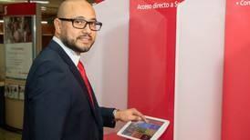 """Andrey Guzmán, jefe de transformación digital de Scotiabank: """"Reto de la banca es el salto a la venta activa y cruzada"""""""
