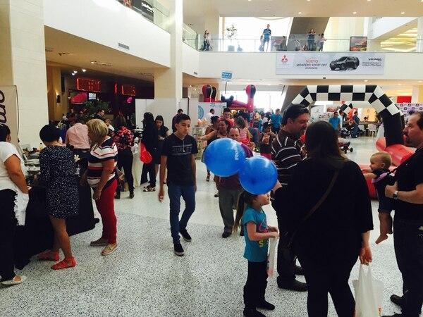 La empresa ER Creativos Eventos realizó una feria de productos para menores de edad a principios de mayo anterior.