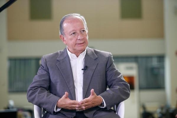 5/9/2016. Gn Medios. Retrato del Doctor y político Rodolfo Hernandez. Foto Adrián Soto.