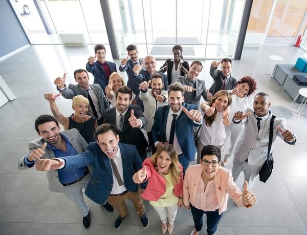 Un equipo comprometido y feliz beneficia al negocio.