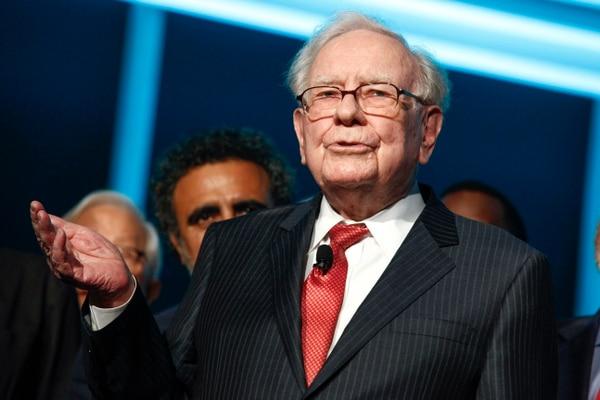 Warren Buffett asiste a la gala de aniversario de Forbes en Nueva York. Fofografía: AP.