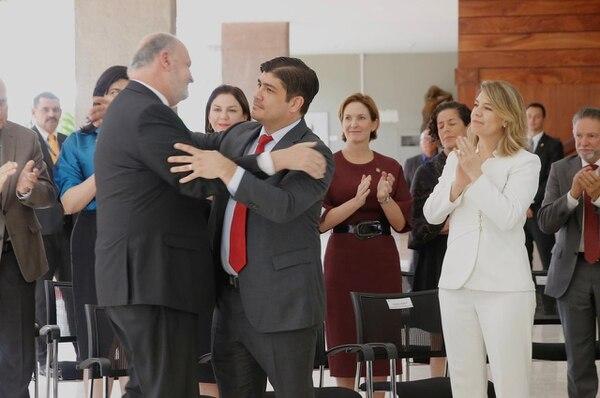 Renuncia de Rodolfo Piza. Fotografía: Mayela López