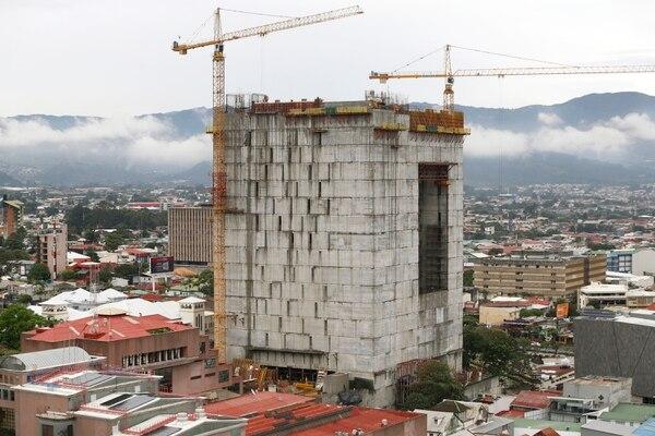 El nuevo edificio de la Asamblea Legislativa tendrá en su techo un sistema de paneles solares. (Foto Albert Marín / Archivo)