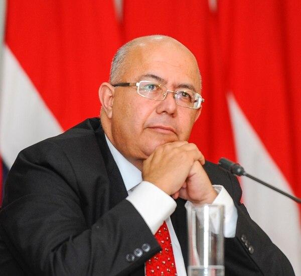 Carlos Roverssi es un periodista de larga trayectoria en el país.