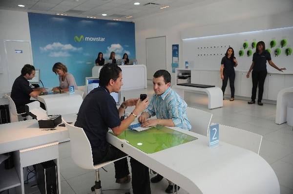 Telefónica vendió sus operaciones en Costa Rica a Tigo. Foto Abelardo Fonseca