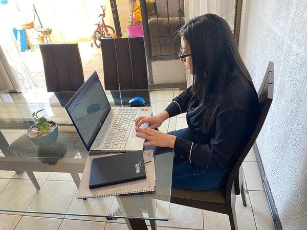 Carla Escobar participa en el programa de la Texas Tech University y estudia inglés en la UNA. (Foto cortesía Carla Escobar)