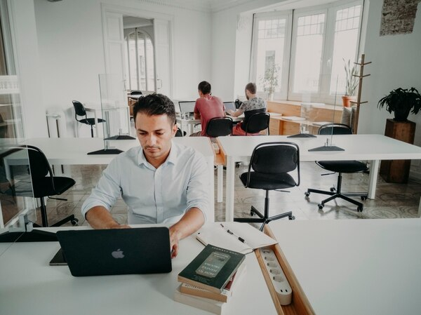 Roberto Chavarría, creador de ZippyHR, suele utilizar un centro de negocios virtual en Barcelona. (Foto para EF)