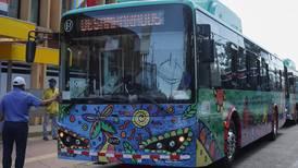 Banco Nacional creará programa para financiar compra de buses eléctricos