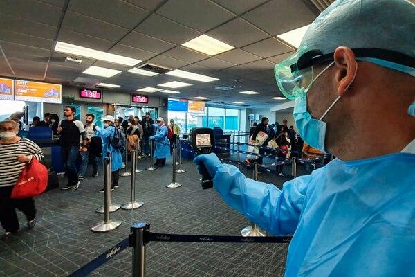 Panamá y Colombia restringen accesos de vuelos de Europa por pandemia de  Coronavirus - El Financiero