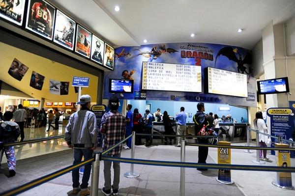 En el país existen 110 pantallas de cine, número que ascendería a 145 en el 2015. Cinépolis Terramall será el primer complejo en contar con una sala 4D, que incluirá movimientos de butaca, aroma y elementos táctiles en las películas.