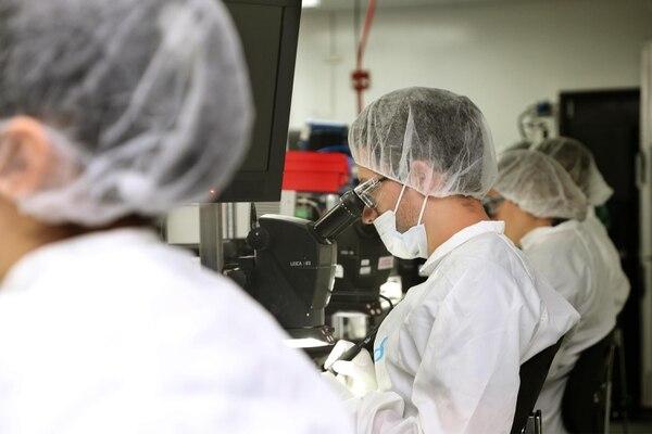 16/02/2018. Zona Franca Metropolitana, Barreal de Heredia. Visita a la planta de dispositivos médicos de la empresa Bayer. Fotografía: Albert Marín. (Imagen con fines ilustrativos).