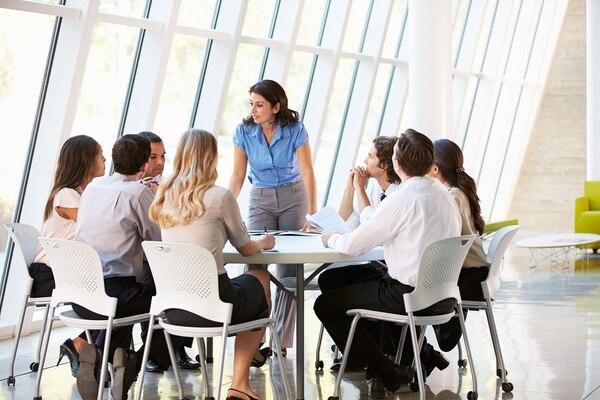 Las juntas pueden ser clave para impulsar la agenda del equipo u organización. Entonces, ¿cómo asegurarse de que las reuniones de las que sea anfitrión sean productivas y no destructivas?