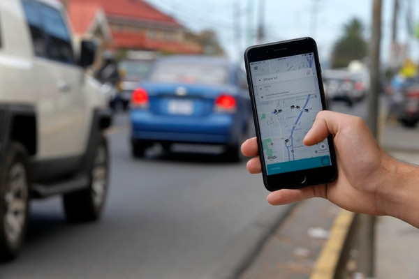 11/03/2019. Cinco Esquinas de Tibás. Hora: 10:05 a.m. Fotografías de apps para teléfonos. En la foto, Uber. Fotos: Mayela López