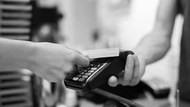 56,8% de las tarjetas de crédito en colones tendrían tasas de usura: revise la suya con esta herramienta interactiva