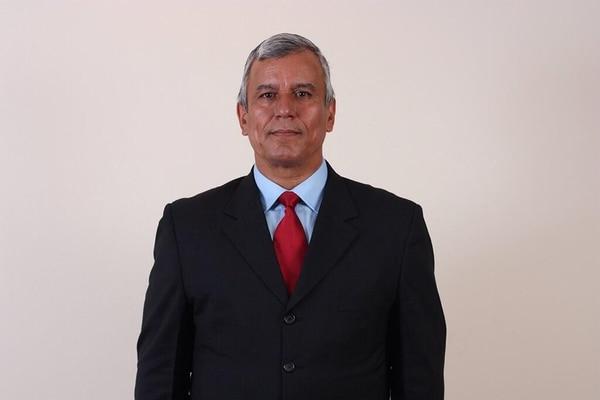 Víctor Morales, ministro de Trabajo. 1978-1986: Regidor; 1990-1992: Viceministro de Trabajo; 1992-1994: Diputado; y 1998-2002: Ministro de Trabajo.