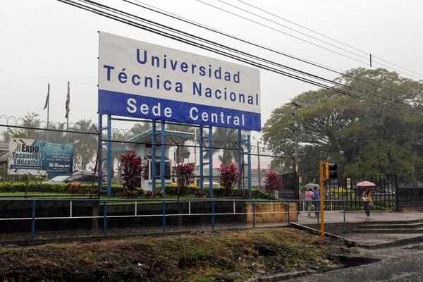 La Universidad Técnica Nacional (UTN) recibió cerca de 10.000 estudiantes matriculados durante 2017, y una cantidad similar en los cursos de extensión docente. Foto: Valeria Quartara.