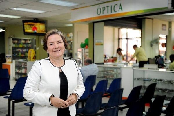 Con una inversión de $500 y la ayuda de 12 colaboradores, Rebeca abrió la primera sucursal de Asembis el 9 de setiembre de 1991 en barrio Aranjuez. Fotos Melissa Fernández Silva