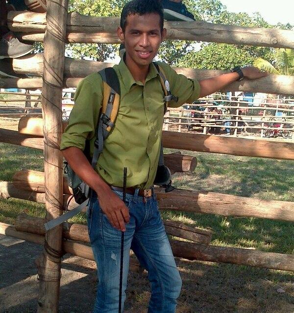 Beyker Obando es el coordinador del proyecto. En su tiempo libre ayuda a su padre en trabajos de construcción.