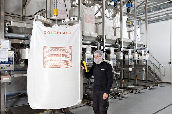 Coloplast es líder global en la fabricación de dispositivos para ostomías (permiten el paso de orina y heces) y continencia urinaria (control de funciones de la vejiga o intestinos). Foto: www.coloplast.com/press/